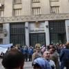 الحكومة المصرية تلجأ إلى الضرائب لخفض عجز الميزانية.. وموجة غلاء جديدة في الشارع