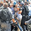 القدس تشتعل بالعنف ومصر تتهم إسرائيل بالتأجيج