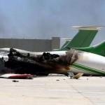 طائرات مجهولة تقصف طرابلس وإغلاق المجال الجوي الليبي