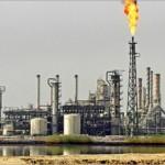 النفط الأمريكي يتراجع وبرنت يرتفع عند التسوية