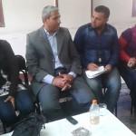 اعضاء جمعية السواقي يجتمعون بنائب رئيس مركز الفيوم للتخلص من مخلفات حي شرق
