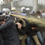 تركيا.. صدامات أمام قصر أردوغان الفخم