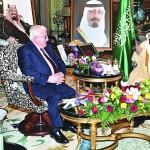 خادم الحرمين يبحث مع الرئيس العراقي تطورات الأحداث وآفاق التعاون